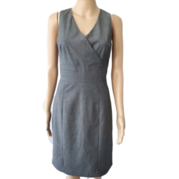 H&M Dresses & Skirts - H&M size 10 fitted waist, gray dress